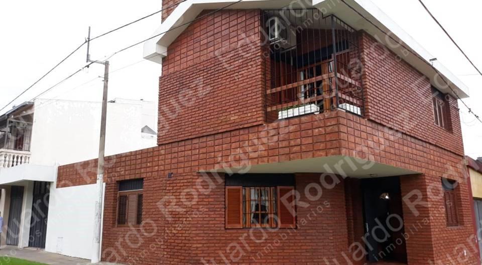 En venta y/o permuta excelente casa