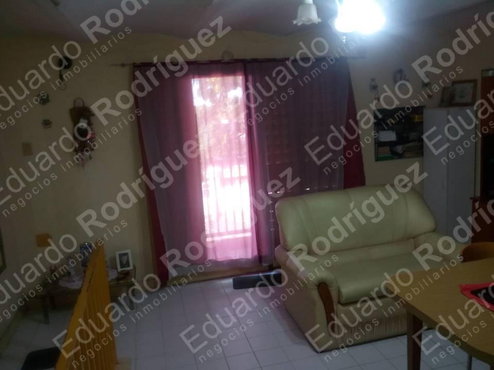 En venta excelente casa Dean Alvarez a mts de Av. Almafuerte