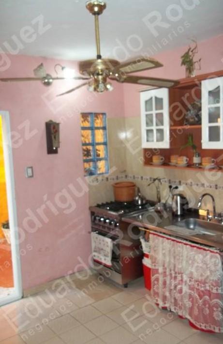 En venta excelente casa – calle Laprida